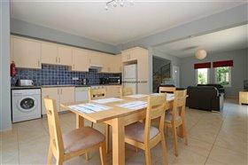Image No.3-Propriété de 4 chambres à vendre à Deryneia