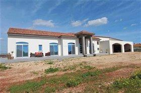 Image No.0-Villa / Détaché de 5 chambres à vendre à Avgorou