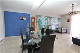 Image No.3-3 Bed Apartment for sale