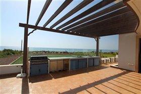 Image No.1-Villa / Détaché de 5 chambres à vendre à Ayia Thekla