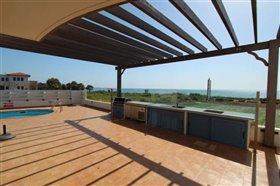 Image No.4-Villa / Détaché de 5 chambres à vendre à Ayia Thekla