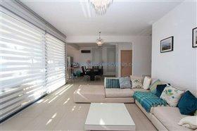 Image No.5-Villa / Détaché de 5 chambres à vendre à Ayia Thekla