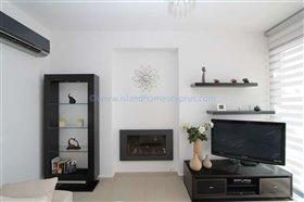 Image No.8-Villa / Détaché de 5 chambres à vendre à Ayia Thekla