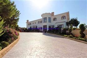 Image No.0-Villa / Détaché de 5 chambres à vendre à Protaras