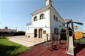 Image No.3-Villa / Détaché de 5 chambres à vendre à Protaras