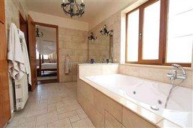 Image No.29-Villa / Détaché de 6 chambres à vendre à Protaras