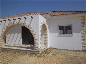 Image No.1-Bungalow de 4 chambres à vendre à Avgorou