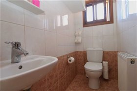 Image No.9-Villa / Détaché de 5 chambres à vendre à Paralimni