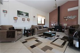 Image No.2-Villa / Détaché de 5 chambres à vendre à Paralimni