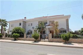 Image No.26-6 Bed Villa / Detached for sale