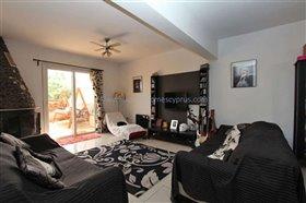 Image No.2-Maison de ville de 3 chambres à vendre à Paralimni