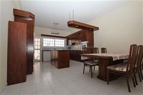 Image No.9-Villa / Détaché de 5 chambres à vendre à Deryneia