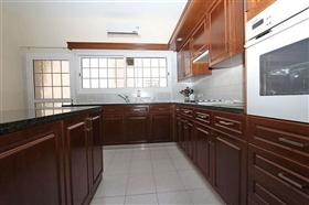 Image No.12-Villa / Détaché de 5 chambres à vendre à Deryneia