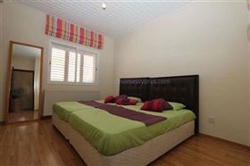 Image No.16-Villa / Détaché de 5 chambres à vendre à Deryneia