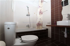 Image No.23-Villa / Détaché de 5 chambres à vendre à Deryneia