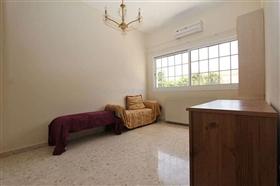 Image No.24-Villa / Détaché de 5 chambres à vendre à Deryneia