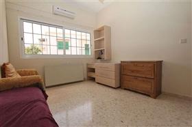 Image No.25-Villa / Détaché de 5 chambres à vendre à Deryneia