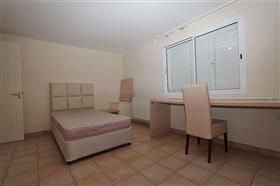 Image No.28-Villa / Détaché de 5 chambres à vendre à Deryneia