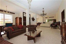 Image No.2-Villa / Détaché de 5 chambres à vendre à Deryneia