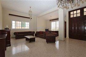 Image No.4-Villa / Détaché de 5 chambres à vendre à Deryneia