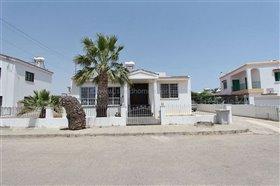 Image No.5-Villa / Détaché de 5 chambres à vendre à Deryneia