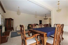 Image No.6-Villa / Détaché de 5 chambres à vendre à Deryneia