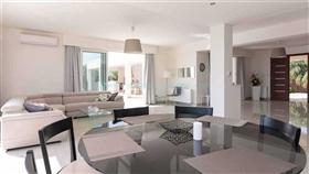 Image No.9-Villa / Détaché de 4 chambres à vendre à Famagusta