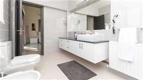 Image No.28-Villa / Détaché de 4 chambres à vendre à Famagusta