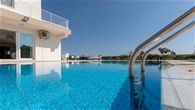 Image No.2-Villa / Détaché de 4 chambres à vendre à Famagusta