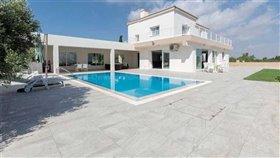 Image No.37-Villa / Détaché de 4 chambres à vendre à Famagusta