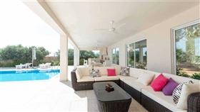 Image No.5-Villa / Détaché de 4 chambres à vendre à Famagusta