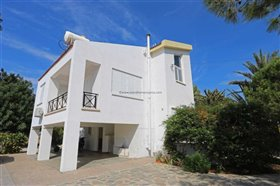 Image No.12-Villa / Détaché de 5 chambres à vendre à Paralimni