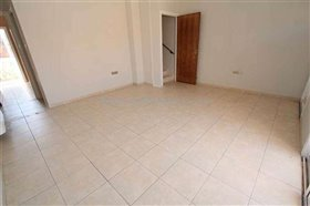 Image No.2-Maison de ville de 2 chambres à vendre à Xylofagou