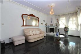 Image No.9-Villa / Détaché de 5 chambres à vendre à Kokkines