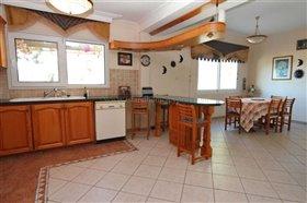 Image No.14-Villa / Détaché de 5 chambres à vendre à Kokkines