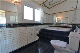 Image No.24-Villa / Détaché de 5 chambres à vendre à Kokkines