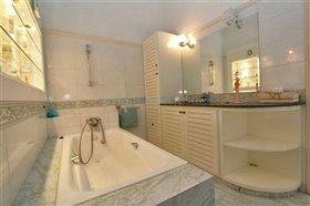 Image No.27-Villa / Détaché de 5 chambres à vendre à Kokkines