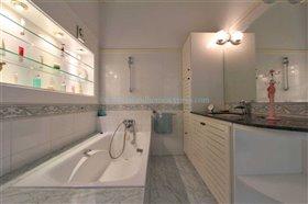 Image No.28-Villa / Détaché de 5 chambres à vendre à Kokkines