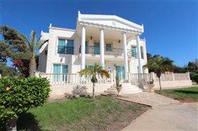 Image No.7-Villa / Détaché de 5 chambres à vendre à Kokkines