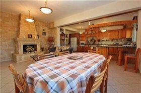 Image No.8-Villa / Détaché de 5 chambres à vendre à Kokkines
