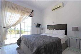 Image No.20-Villa / Détaché de 4 chambres à vendre à Kapparis