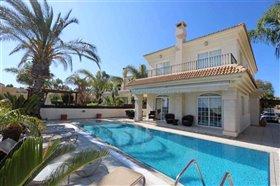 Image No.3-Villa / Détaché de 4 chambres à vendre à Kapparis