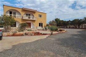 Image No.0-Villa / Détaché de 7 chambres à vendre à Protaras