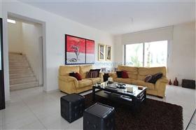 Image No.9-Villa / Détaché de 5 chambres à vendre à Famagusta
