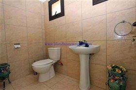 Image No.25-Villa / Détaché de 4 chambres à vendre à Xylofagou