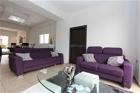 Image No.11-Villa / Détaché de 3 chambres à vendre à Kokkines