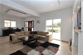 Image No.6-Villa / Détaché de 3 chambres à vendre à Kokkines