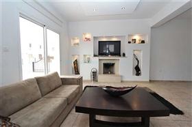 Image No.8-Villa / Détaché de 3 chambres à vendre à Kokkines