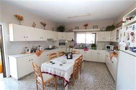 Image No.2-Appartement de 3 chambres à vendre à Liopetri