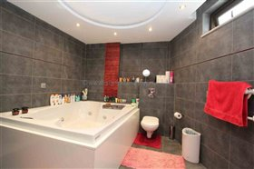 Image No.18-Villa / Détaché de 4 chambres à vendre à Xylofagou